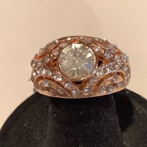 Jewelry - Rose gold Fashion ring size 9